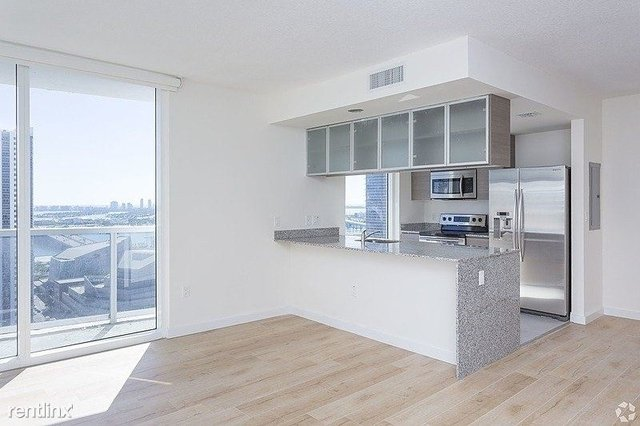 2 Bedrooms, Media and Entertainment District Rental in Miami, FL for $2,100 - Photo 2