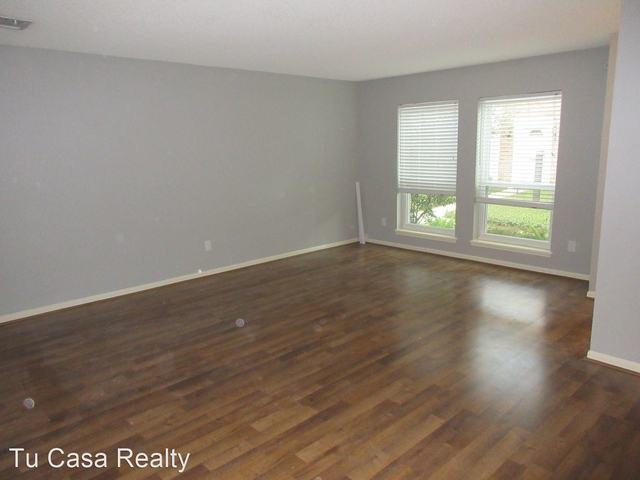 3 Bedrooms, Memorial Club Townhome Rental in Houston for $1,750 - Photo 2