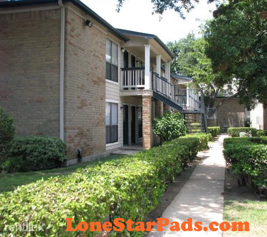 2 Bedrooms, Gulfton Rental in Houston for $885 - Photo 2
