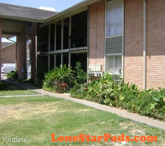 2 Bedrooms, Gulfton Rental in Houston for $750 - Photo 1