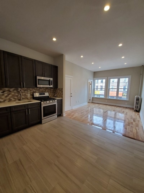 3 Bedrooms, Sunset Park Rental in NYC for $2,600 - Photo 1