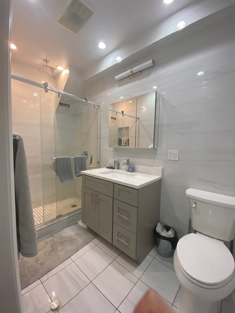 1 Bedroom, Rose Hill Rental in NYC for $2,370 - Photo 2