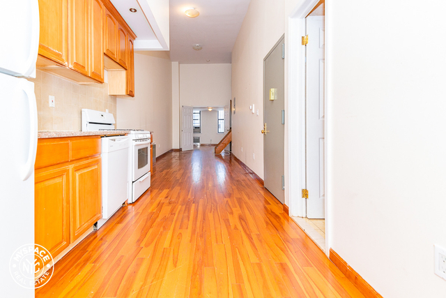 3 Bedrooms, Bushwick Rental in NYC for $1,933 - Photo 1