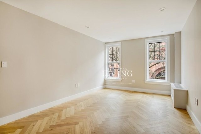 1 Bedroom, South Slope Rental in NYC for $2,446 - Photo 2