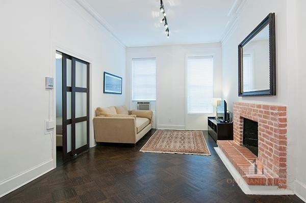 1 Bedroom, Lenox Hill Rental in NYC for $2,500 - Photo 1