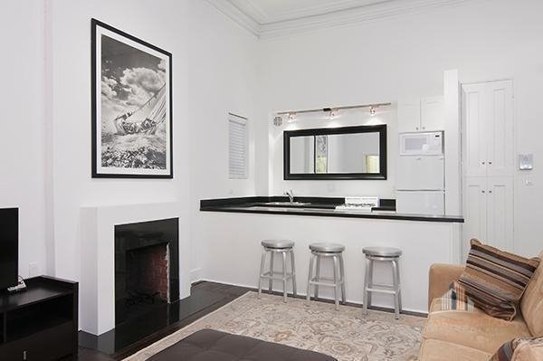 1 Bedroom, Lenox Hill Rental in NYC for $4,200 - Photo 1