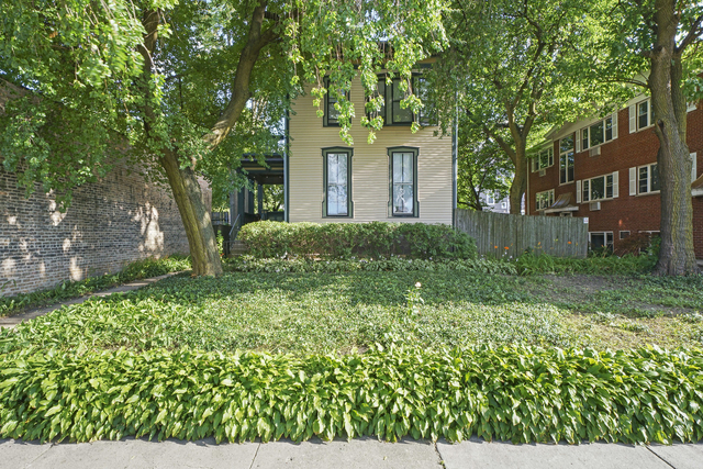 2 Bedrooms, Oak Park Rental in Chicago, IL for $1,800 - Photo 1