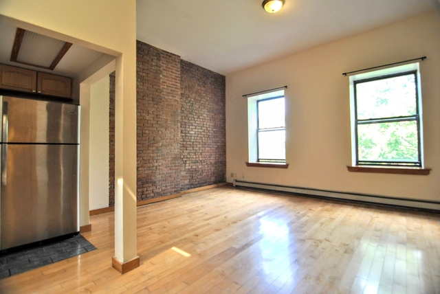 2 Bedrooms, West Pullman Rental in Chicago, IL for $2,683 - Photo 2