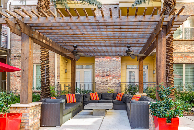 2 Bedrooms, Astrodome Rental in Houston for $2,193 - Photo 1