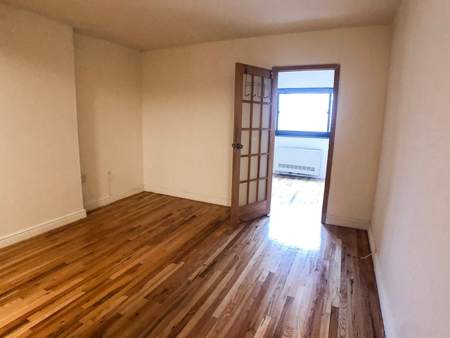 2 Bedrooms, Gramercy Park Rental in NYC for $4,102 - Photo 2
