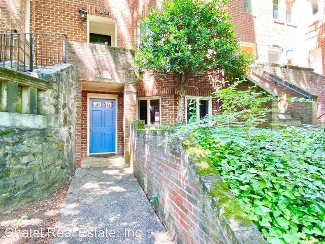 3 Bedrooms, Woodley Park Rental in Washington, DC for $4,800 - Photo 2