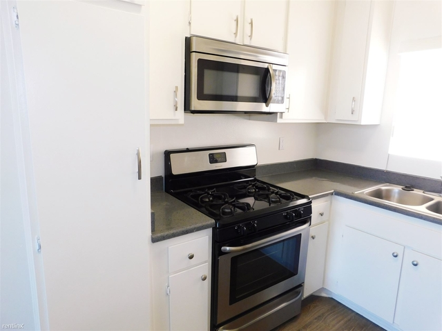 1 Bedroom, Sherman Oaks Rental in Los Angeles, CA for $1,845 - Photo 2