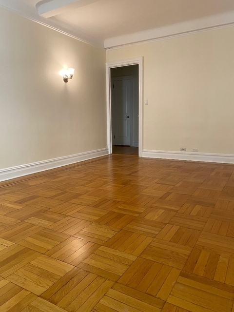2 Bedrooms, Carnegie Hill Rental in NYC for $5,330 - Photo 2