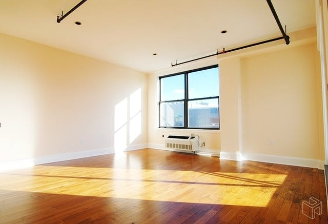 3 Bedrooms, Williamsburg Rental in NYC for $4,850 - Photo 2