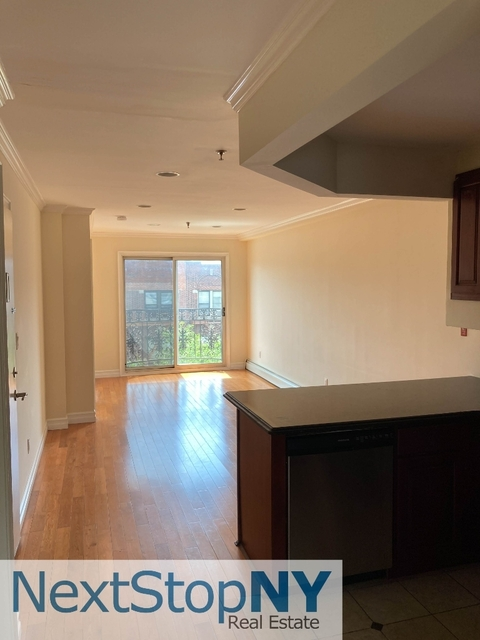 3 Bedrooms, Astoria Rental in NYC for $2,842 - Photo 1