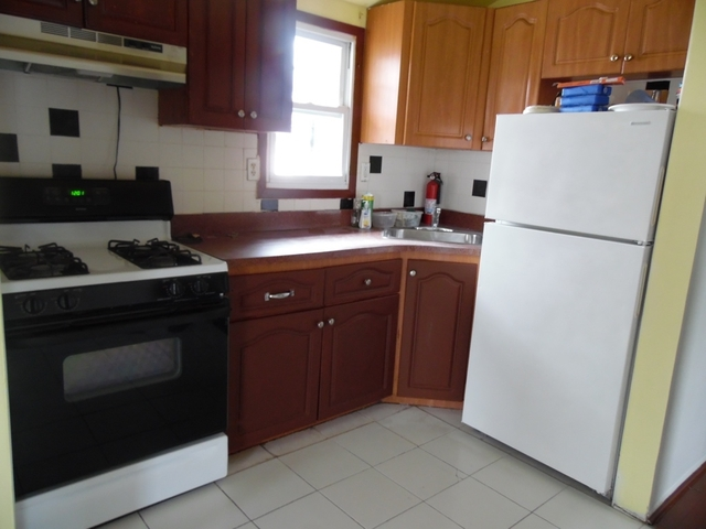 3 Bedrooms, St. Albans Rental in NYC for $2,100 - Photo 2