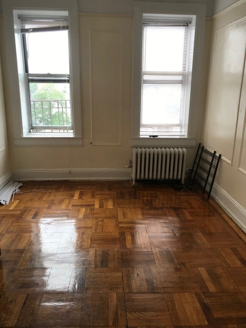1 Bedroom, Carnegie Hill Rental in NYC for $1,650 - Photo 2