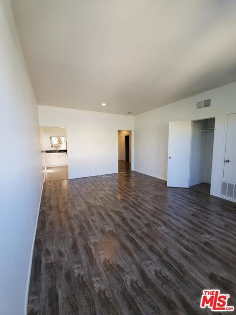 1 Bedroom, Palms Rental in Los Angeles, CA for $2,100 - Photo 2
