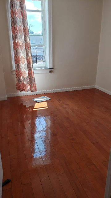 2 Bedrooms, Mapleton Rental in NYC for $1,700 - Photo 2