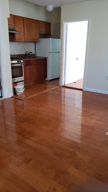 2 Bedrooms, Mapleton Rental in NYC for $1,700 - Photo 1