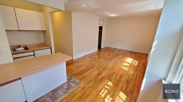Studio, Yorkville Rental in NYC for $1,834 - Photo 2