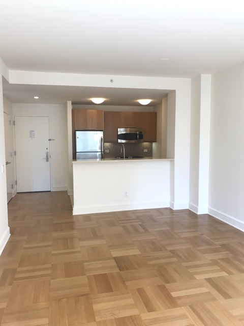 1 Bedroom, Lincoln Square Rental in NYC for $4,045 - Photo 2
