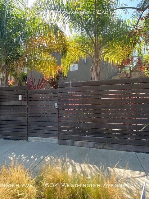 2 Bedrooms, Oakwood Rental in Los Angeles, CA for $3,200 - Photo 1