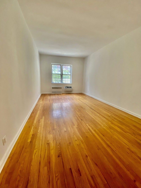 Studio, Sutton Place Rental in NYC for $1,825 - Photo 2