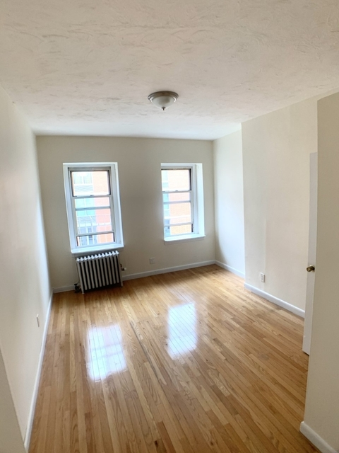1 Bedroom, Chelsea Rental in NYC for $2,154 - Photo 1