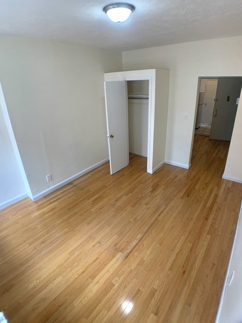 1 Bedroom, Chelsea Rental in NYC for $2,154 - Photo 2