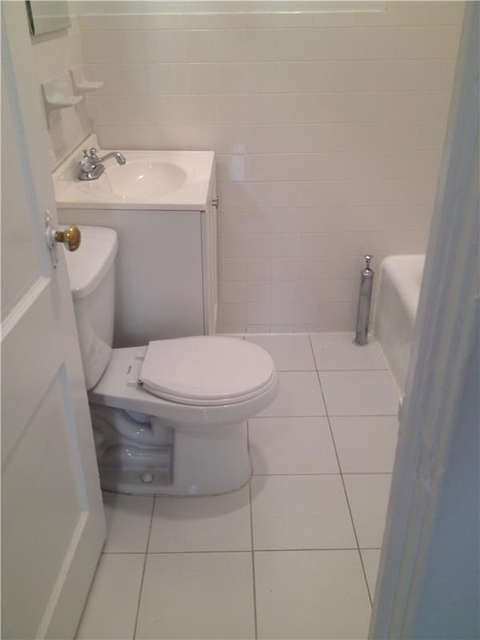 1 Bedroom, Lenox Hill Rental in NYC for $2,050 - Photo 2