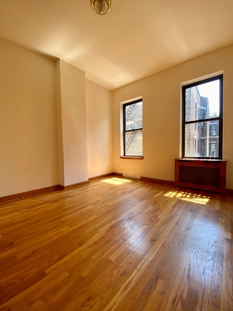 2 Bedrooms, Upper West Side Rental in NYC for $2,300 - Photo 1