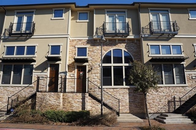 2 Bedrooms, The Town Homes at Legacy Town Center South Rental in Dallas for $2,650 - Photo 1