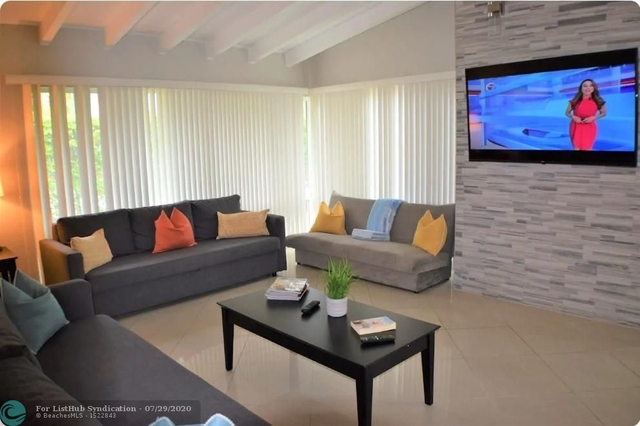 3 Bedrooms, Lauderdale-by-the-Sea Rental in Miami, FL for $3,000 - Photo 1