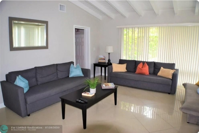 3 Bedrooms, Lauderdale-by-the-Sea Rental in Miami, FL for $3,000 - Photo 2