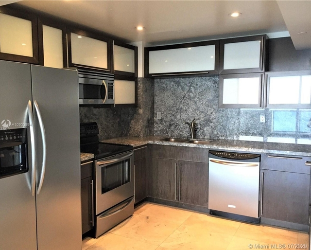2 Bedrooms, West Avenue Rental in Miami, FL for $2,800 - Photo 2
