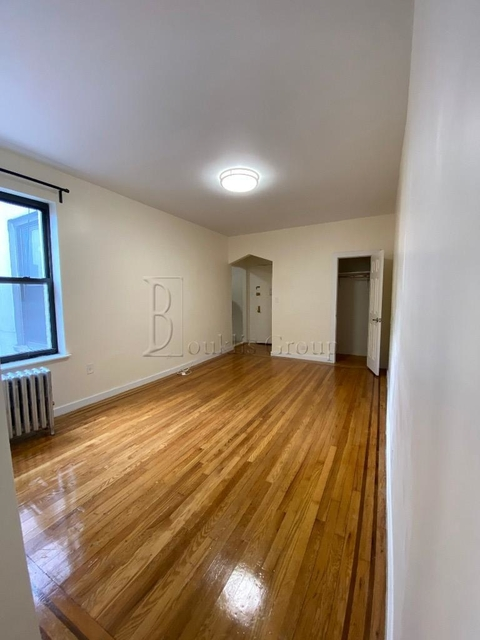 1 Bedroom, Steinway Rental in NYC for $2,195 - Photo 2