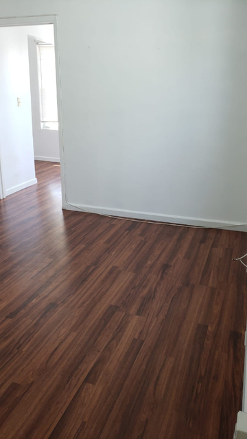 2 Bedrooms, Gravesend Rental in NYC for $1,600 - Photo 2