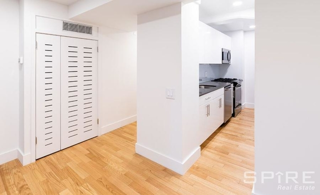3 Bedrooms, Upper East Side Rental in NYC for $8,679 - Photo 2