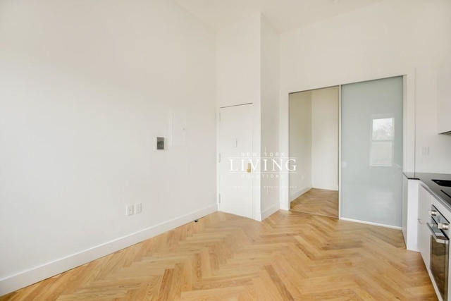 1 Bedroom, South Slope Rental in NYC for $2,377 - Photo 2