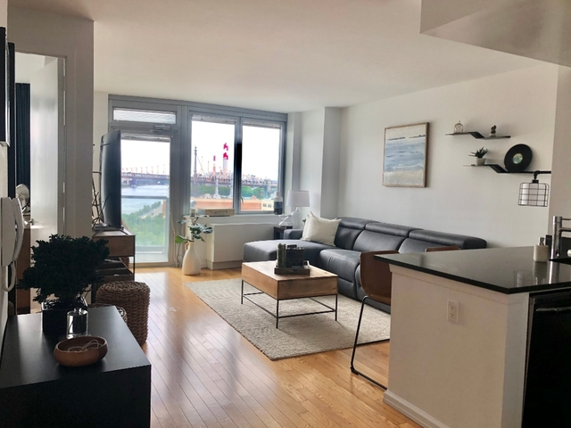 1 Bedroom, Hunters Point Rental in NYC for $3,810 - Photo 2