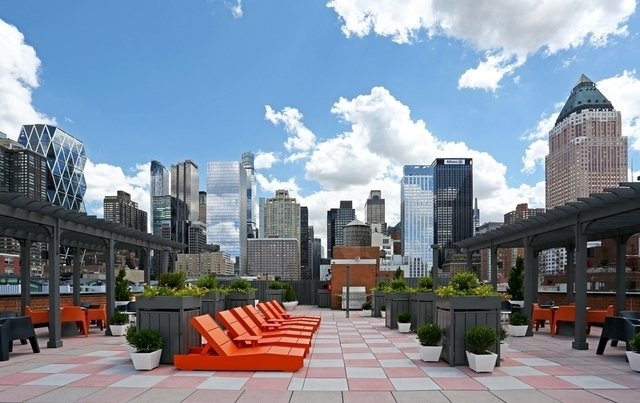 2 Bedrooms, Hell's Kitchen Rental in NYC for $4,333 - Photo 1