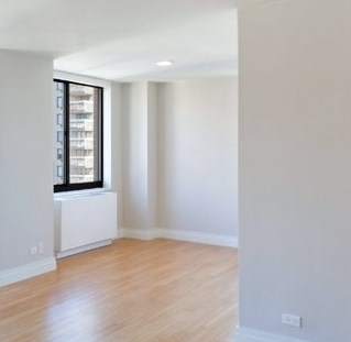 2 Bedrooms, Rose Hill Rental in NYC for $4,748 - Photo 2