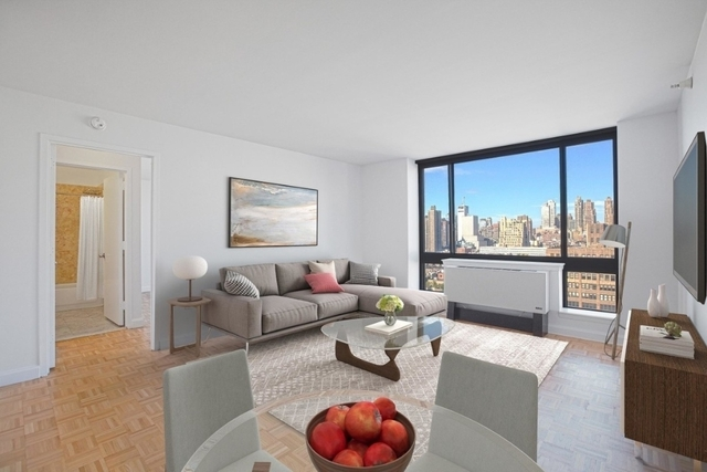 3 Bedrooms, Hell's Kitchen Rental in NYC for $3,960 - Photo 1