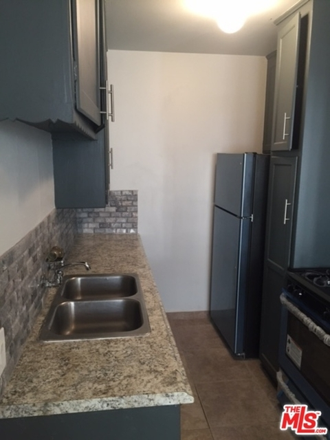 1 Bedroom, Sherman Oaks Rental in Los Angeles, CA for $1,799 - Photo 2