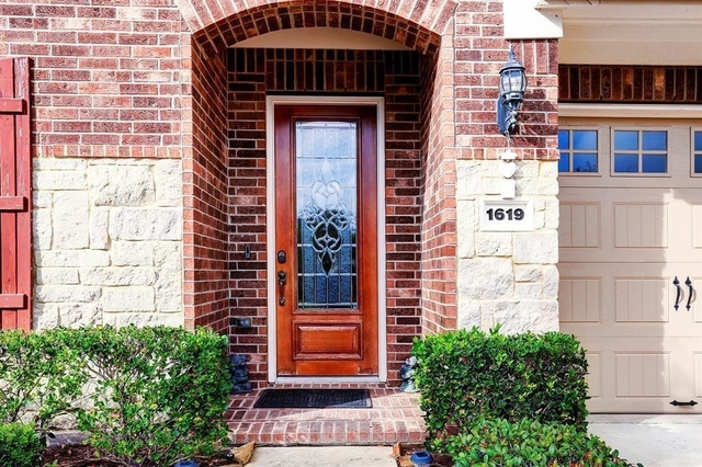 3 Bedrooms, Sugar Land Rental in Houston for $2,850 - Photo 2
