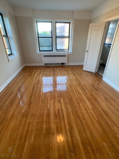 3 Bedrooms, Jackson Heights Rental in NYC for $2,950 - Photo 1