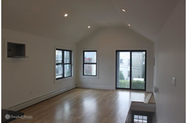 3 Bedrooms, Maspeth Rental in NYC for $2,675 - Photo 1