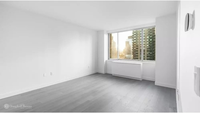2 Bedrooms, Lincoln Square Rental in NYC for $7,590 - Photo 2