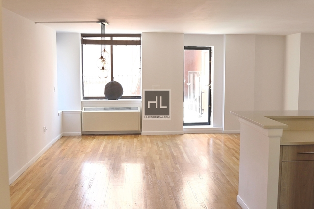 2 Bedrooms, Tribeca Rental in NYC for $5,811 - Photo 2